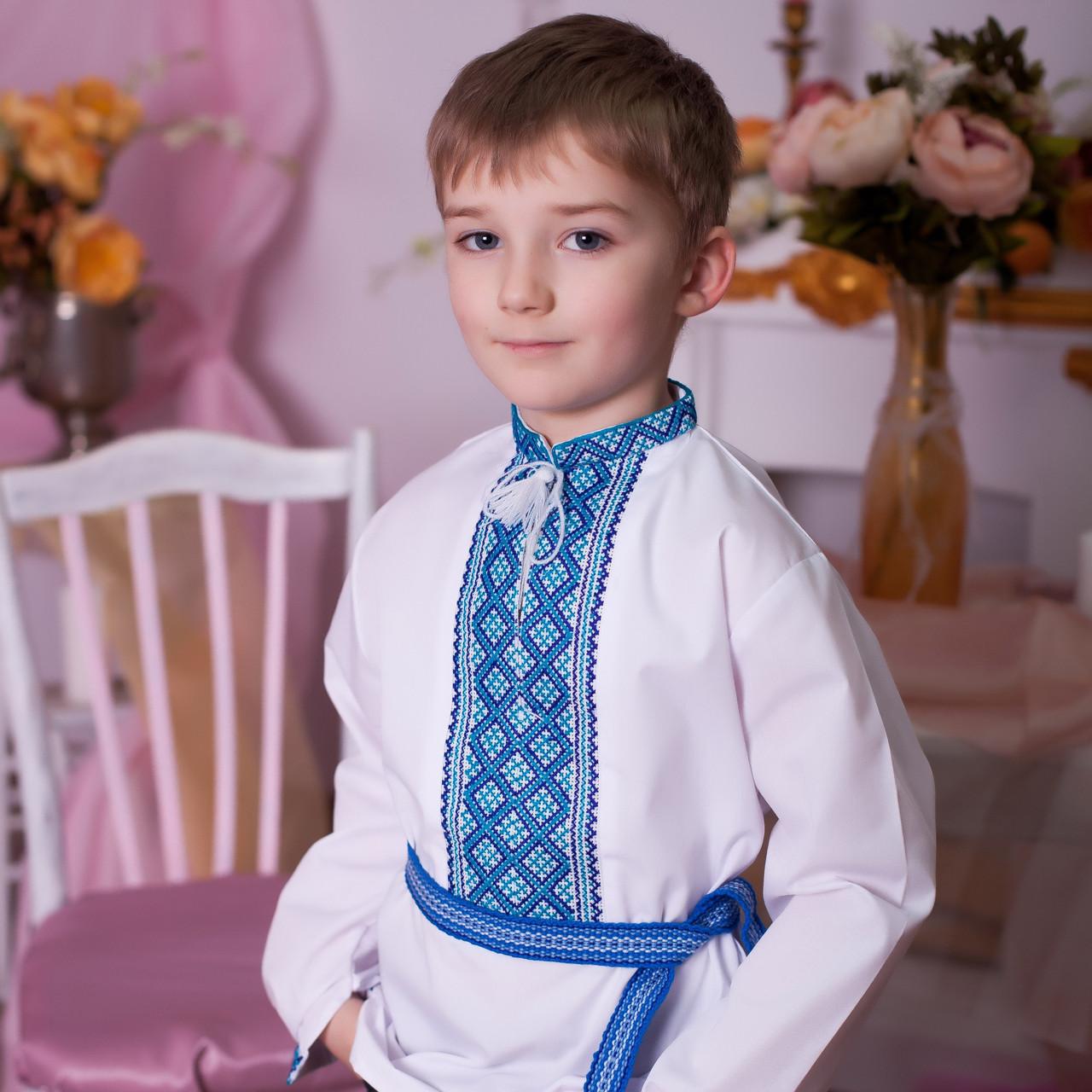 Вишиванка для хлопчика в українському стилі