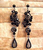 Красивые серьги с черными кристаллами