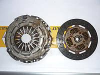 Комплект сцепления Renault Master / Movano 2.5dci 06> (OE RENAULT 8201516550)