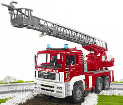 Игрушка Bruder Пожарная машина MAN c лестницей и помпой 1:16 (02771)