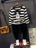 Модный костюмчик в полоску