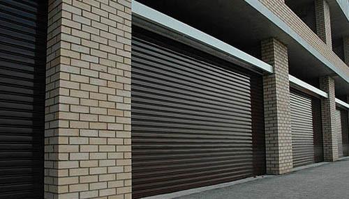 Установленные ролеты гаражные