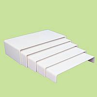 Акриловая подставка для презентации украшений белая