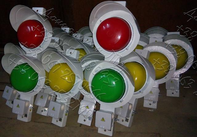 СС1/40 - светофор сигнализатор троллейный крановый 4