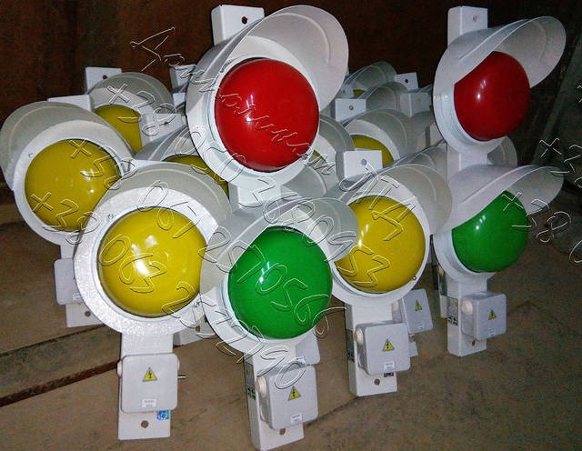 СС1/40 - светофор сигнализатор троллейный крановый 5