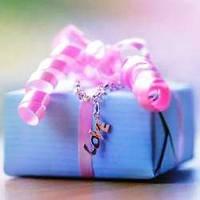 Как выбрать интересный и оригинальный подарок своей девушке?
