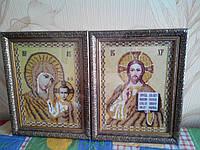 Икона вышита бисером в рамке Матерь Божья и Иисус Христос