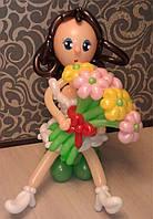 Фигура девушки из воздушных шаров с букетом 9 шт