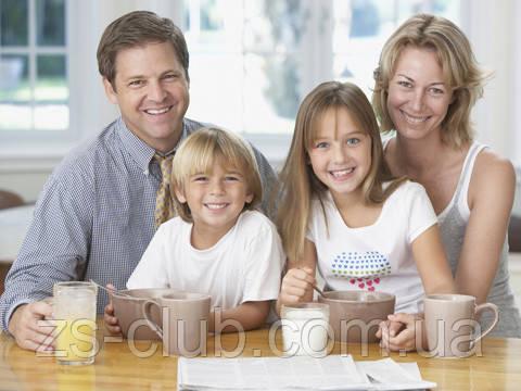 Семья с молоком