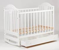 Детская кроватка с ящиком с возможностью качания для новорожденного маятник белая с полозьями резная ольха