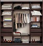 Просторный шкаф-купе в спальне