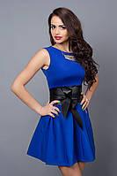 Красивое молодежное платье с широким поясом из кожи