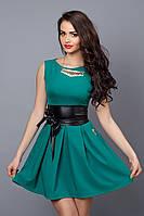 Бирюзовое платье модного кроя