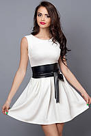 Молодежное летнее платье белое с кожаным поясом