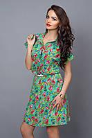 Оригинальное летнее платье в растительный принт с поясом на талии