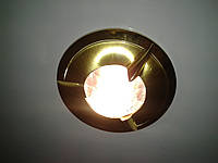 Врізний точковий світильник Yusing MERS зі склом.