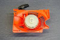 Стартер ручной плавный пуск для бензопил серии 4500-5200 (2 зацепа)