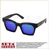 Солнцезащитные очки с синими зеркальными стеклами в чёрной оправе (wayfarer прямоугольные)