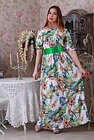 Нарядное белое платье с цветочным рисунком