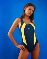 Слитный спортивный купальник для бассейна