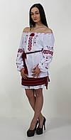 Женская вышитая блуза с геометрическим узором