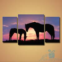 Модульная картина Лошадь и жеребенок из 3 фрагментов