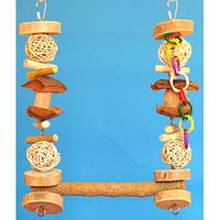 Деревянная качеля с жердочкой для стачивания когтей