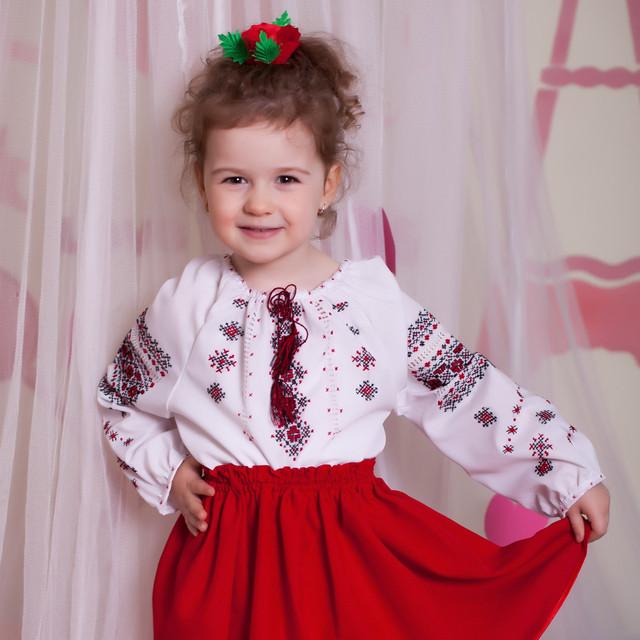 Дитяча вишиванка для дівчинки (ручна вишивка a6979e2ca094f