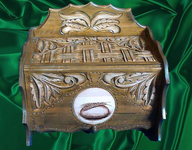 Хлебница подарочная из дерева