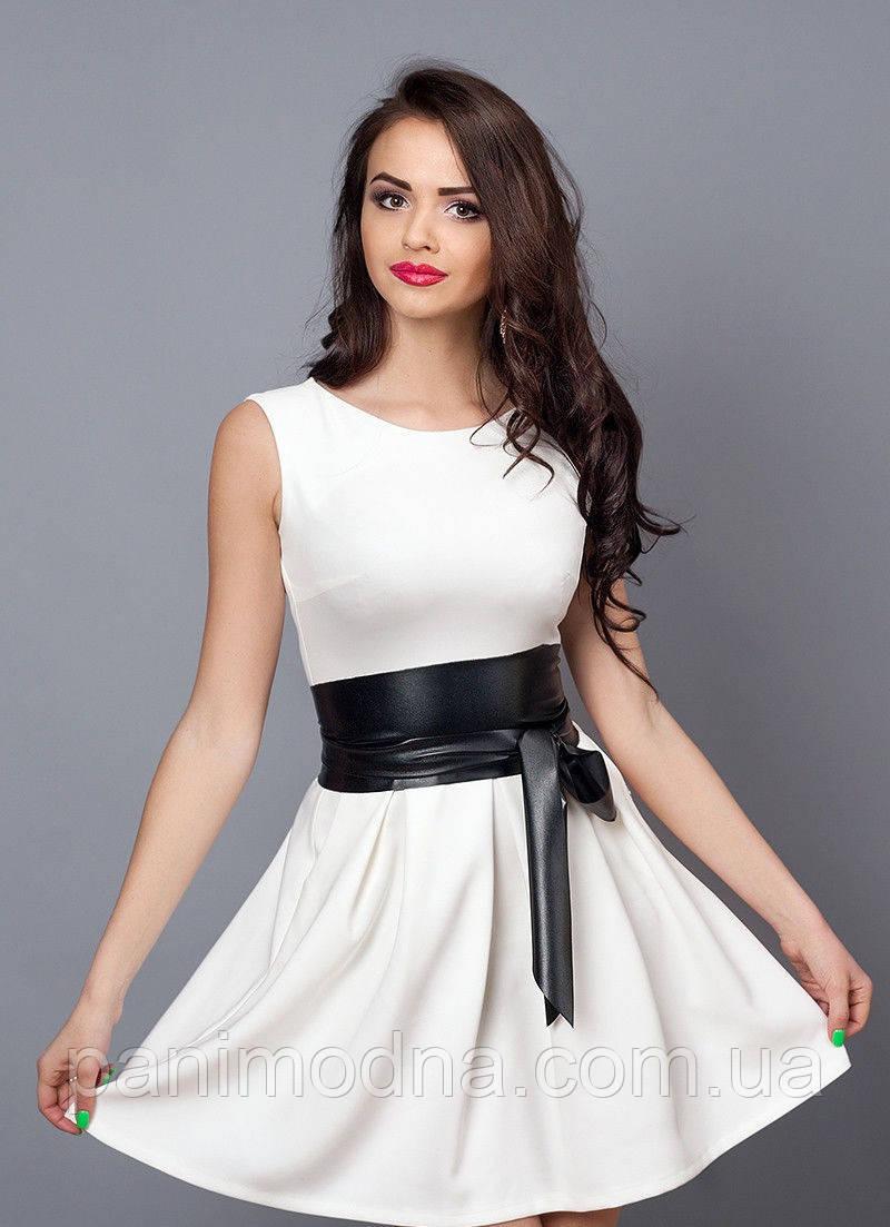fd5449d6c5b8075 ... Стильное молодежное платье декорировано кожаным поясом -