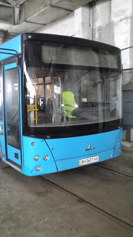 Замена лобового стекла на автобус МАЗ 226 в Харькове 5