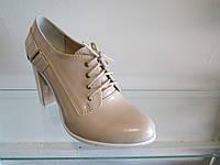 Туфли женские лакированные на каблуке