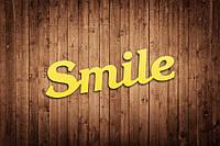 """Деревянное слово """"Smile"""" для фотосессии"""