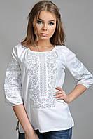Белая женская вышиванка с цветочным узором
