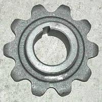 Звездочка z=10,t=38 ДОН-1500 верхнего вала наклонной камеры