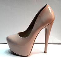 Туфли женские Лабутен Louboutin бежевые лаковые KF0292