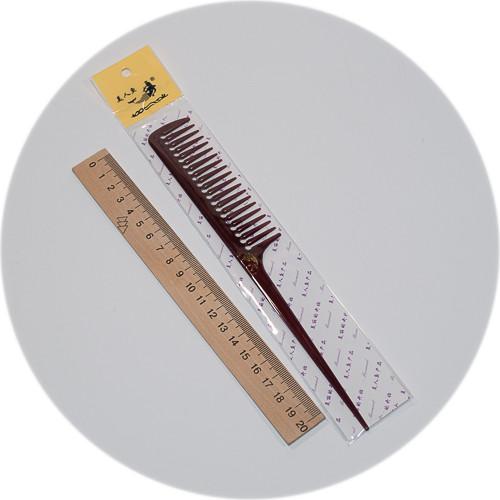 расческа длиной 23 см и пластиковым хвостиком