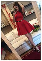 Элегантное женское платье с пышной расклешенной юбкой однотонное