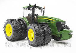 Игрушка Bruder Трактор John Deere 7930 с двойными колесами 1:16  (03052)