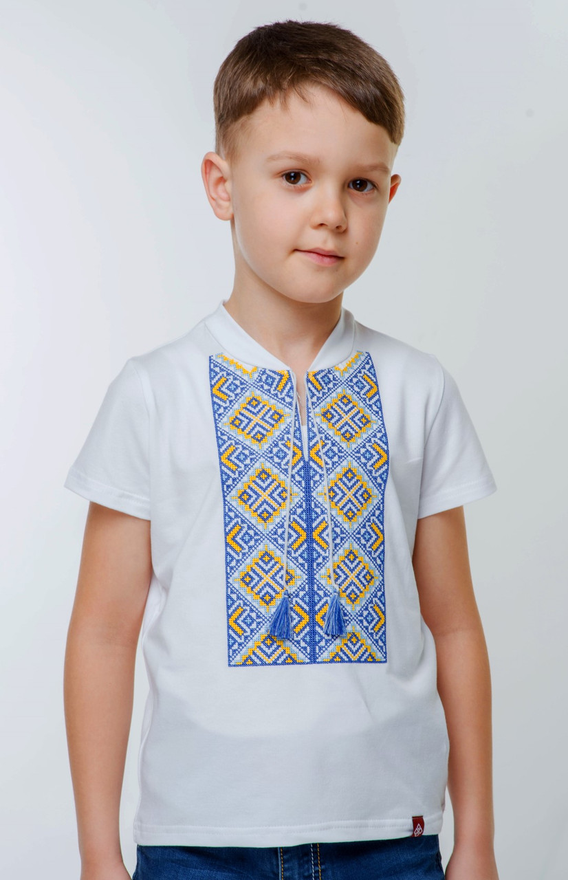 Футболка для мальчика с украинским орнаментом
