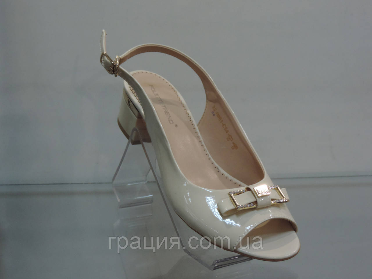 Стильные женские босоножки на удобном каблуке