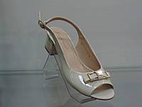 Стильные женские босоножки на удобном каблуке, фото 1