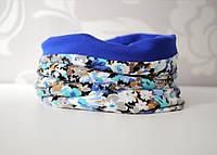 Двухсторонний снуд (шарф труба, воторничек). Цветы с синим электрик.  Универсальный размер.