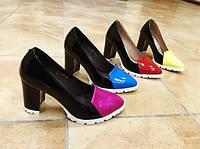 Туфли на каблуке с лаковым носком натуральная кожа