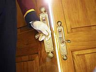 Срочная установка замков на двери в день заказа, выезд мастера в течение 1 часа. Днепропетровск