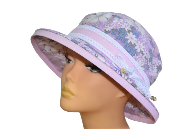 Шляпка Любава размытые цветы фиолетовая