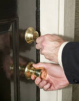 Захлопнули дверь квартиры ? Зовите нам ! Днепропетровск