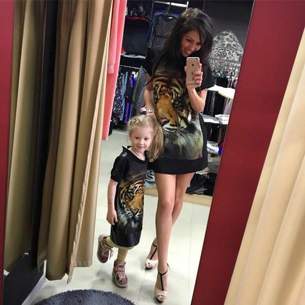 68cac3faf9c1 Одинаковые платья мама и дочка