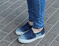 Женские джинсовые слипоны на толстой подошве