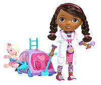 Кукла Доктор Плюшева в наборе с мобильной клиникой Doc McStuffins